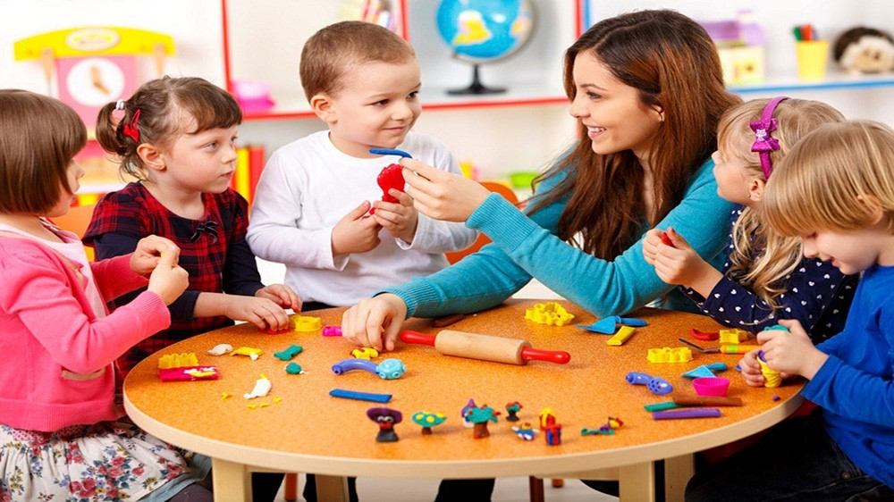 This image specifies how can a housewife earn money at home by day care